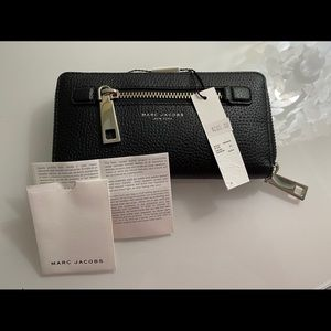 NWOT! Marc Jacobs Black Leather Wallet